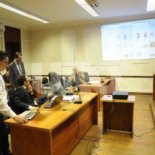 En Sala I. Con proyector, la Fiscalía expuso sus evidencias ante el juez interviniente.