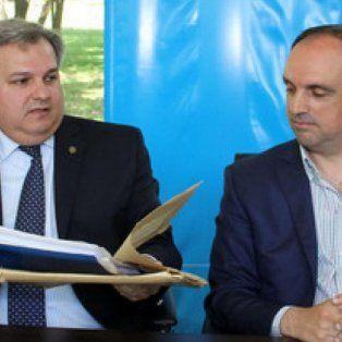 Toma y daca. El ministro de Gobierno renovó sus cuestionamientos al intendente, tras las críticas del dirigente radical contra el senador Emilio Jatón por el Fondo de Obras Menores.