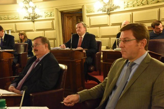 Los senadores oficialistas piden que Nación pague a Santa Fe la deuda por coparticipación
