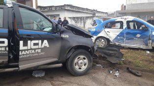 Impactados. La camioneta embistió al móvil policial 6623