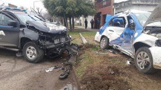 Una policía murió en un violento accidente entre móviles policiales