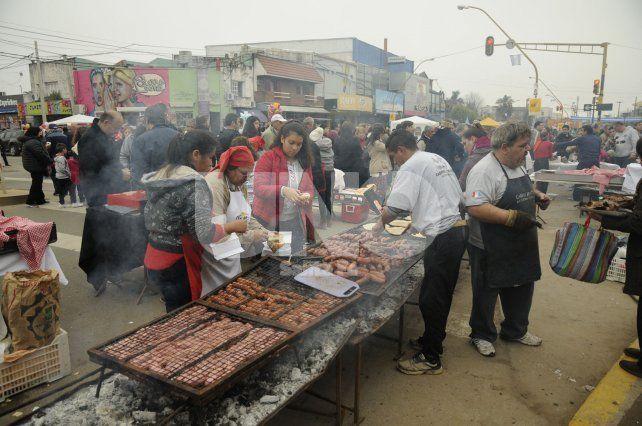 A pesar del día gris, miles de santafesinos festejaron el 9 de Julio en Aristóbulo del Valle
