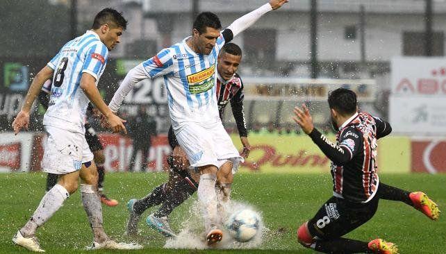 B Nacional: Se suspendió Chacarita-Juventud Unida por la lluvia
