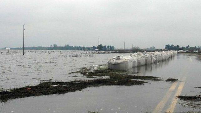 Corte total en la ruta 90 por el desborde de la laguna de Melincué