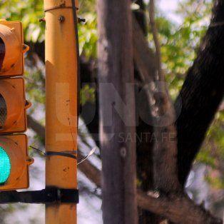 en el 83% de los accidentes de transito en bocacalles de la ciudad, habia semaforo