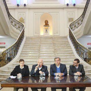 Emprende Joven. Pablo Lamberto, Miguel Lifschitz, Pablo Farías y Mauro Casella, al momento de hacer el lanzamiento.