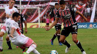 Chacarita enfrenta a Los Andes con la obligación de sumar un triunfo para soñar con el ascenso