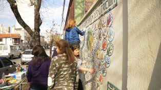Ya está en marcha el mural Una Manito por Conin