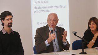 Exposición. Bonfatti compartió la mesa con la diputada Alicia Ciciliani y conFrancisco Cantamutto