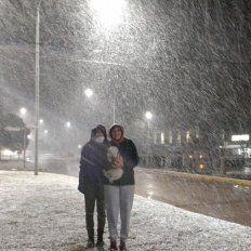 En Buenos Aires. Algunas ciudades del Sur, como Bahía Blanca y Sierra de la Ventana, se tiñeron de blanco durante la jornada de ayer.