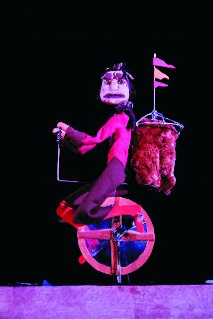 Los Muñecos copan el Centro Cultural Provincial