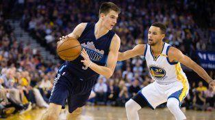 Habrá solo dos argentinos en la NBA tras el corte a Nicolás Brussino