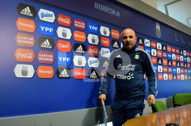 Jorge Sampaoli no se anduvo con vueltas y pidió el compromiso de los clubes