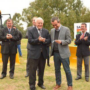 lifschitz sumo nuevos creditos para la compra de equipamiento de municipios y comunas