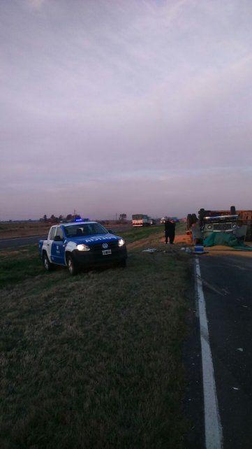 Murió un camionero de 69 años en un vuelco en la autopista Santa Fe-Rosario