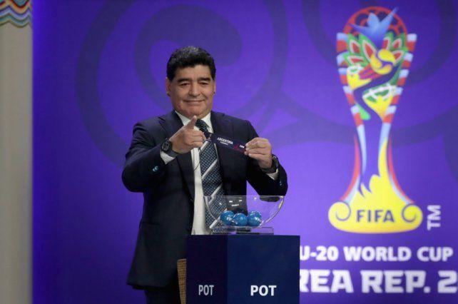 En Inglaterra compararon a Maradona con el Che Guevara