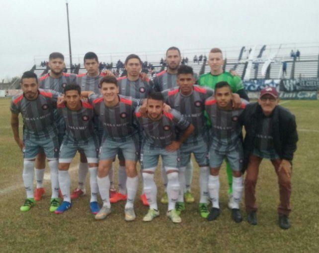 Cosmos sumó un valioso punto en Concepción del Uruguay