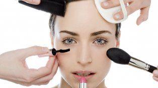 Prohibieron la venta y el uso de 13 productos cosméticos