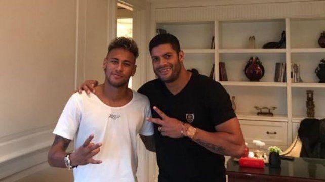 En medio de los rumores, Neymar llegó a China