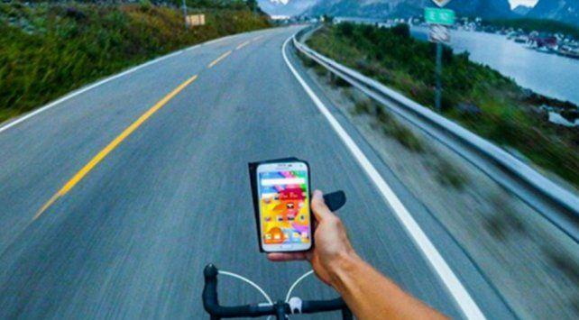 El curioso detalle en la foto de un ciclista que luego estalló en las redes