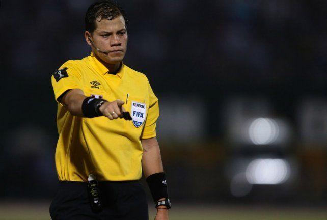 Carillo controlará el clásico Uruguay-Argentina