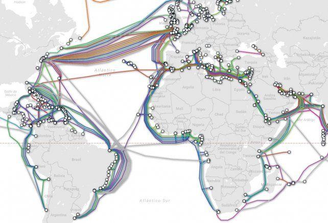 Así es la red de cables que atraviesan los océanos y que nos conecta a Internet