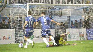 Atlético de Rafaela sacó una mínima ventaja ante Sportivo Las Parejas