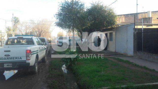 En un allanamiento detuvieron a tres vendedores de drogas en barrio Transporte