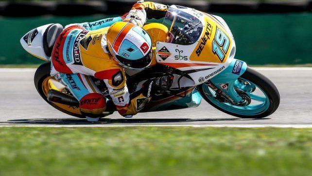 El argentino Rodrigo sorprendió en Moto 3 y largará primero en República Checa