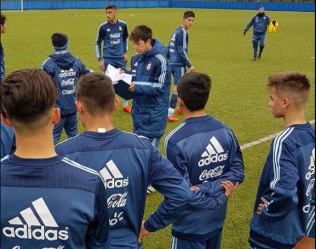 Diego Placente dio la lista de la Selección Sub 15 con un jugador de Unión