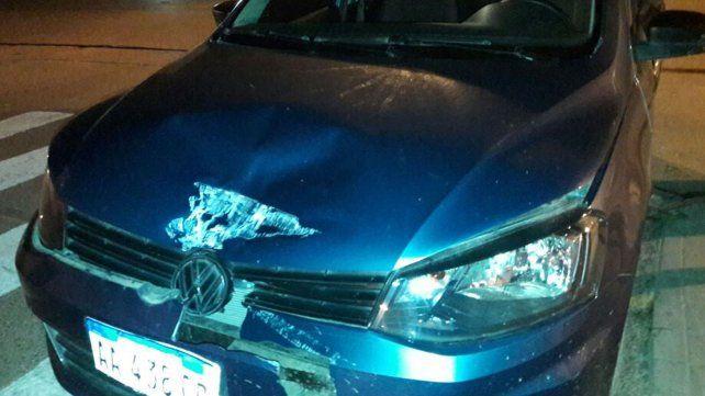 El auto que terminó chocando con un camión en barrio Roma tras eludir un control policial