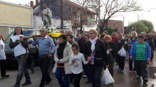Procesión. Por las calles de Guadalupe Oeste