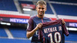 La liga española demora el debut de Neymar en Paris Saint Germain