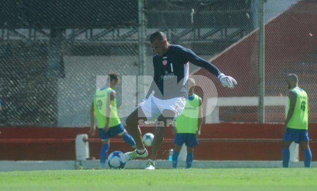 Nereo Fernández se resintió de su lesión y no viajó a Liniers