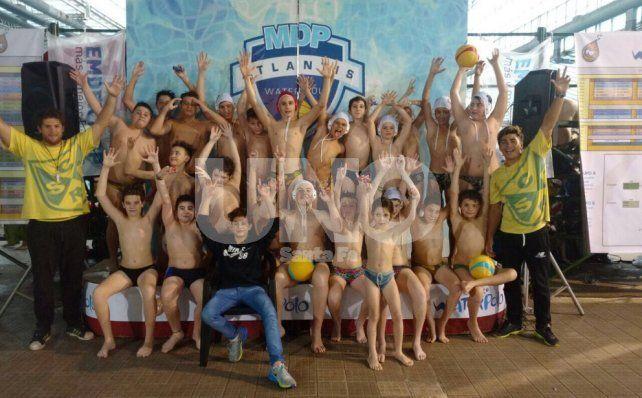 Regatas se destacó en el Encuentro Nacional de Waterpolo Sub 12 y Sub 14