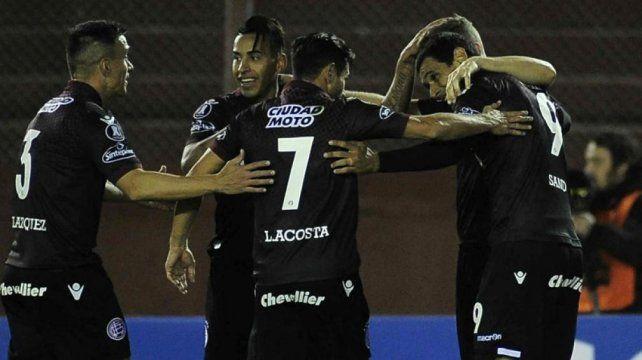 Copa Libertadores: Lanús derrotó a The Strongest y se metió en cuartos