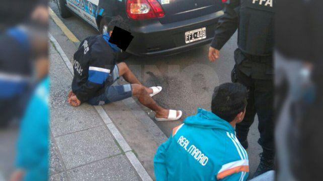 Detuvieron a dos delincuentes armados en plena Recoleta santafesina