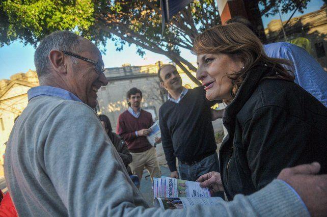 Niky Cantard: El domingo vamos a llenar las urnas de esperanza y dignidad