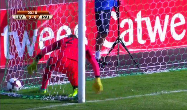 Un papelón: se hicieron un gol en contra a los 14