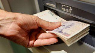 Según el Indec, el índice de salarios creció 13,3 por ciento en el primer semestre