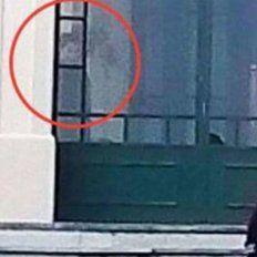 Un santafesino fotografió a un niño fantasma en un hotel abandonado de Córdoba