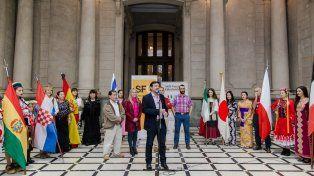Fiesta de las Colectividades.En la Estación Belgrano, el secretario General del Municipio, Carlos Pereira, presentó este evento y otros de la programación de actividades para el fin de semana largo.