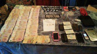 Droga y dinero. Parte del material secuestrado en los 19 allanamientos que se realizaron para desbaratar al clan Bergallo.