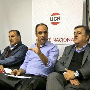 En Capital. Corral, junto a Mario Negri y Angel Rozas, en la reunión realizada este martes en Buenos Aires.