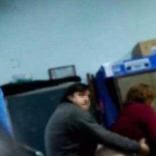 un directivo de una escuela chaquena se filmo teniendo sexo en la institucion