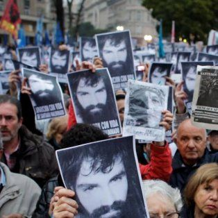 mapuches de la comunidad cushamen dicen que a maldonado lo llevo gendarmeria