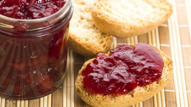 Prohibieron la venta de dos marcas de mermeladas en todo el país