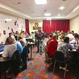 el presidente comunal de melincue salio campeon del torneo de poker del casino local