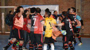 Colón se adjudicó el Clásico de futsal