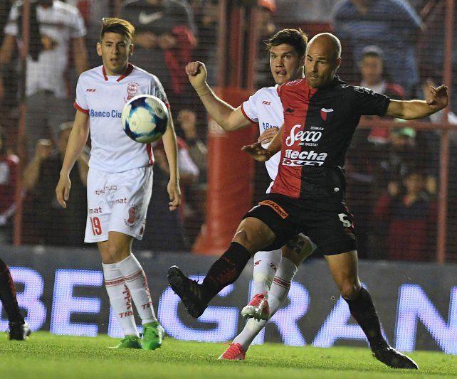 Colón jugó mal y quedó eliminado de la Copa Argentina